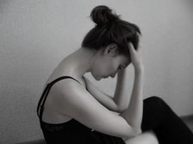 girl-devushka-hudyshka-cherno-beloe-foto-Favim.ru-4191863